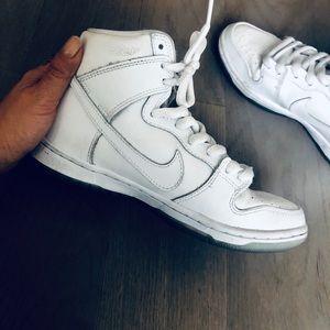 NIKE SB Dunk High Top Pro White Sneakers